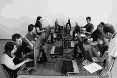 Fekete-fehér fotó programozókról