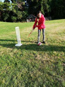 Alexa Krikettezés közben