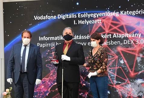 Első díjat nyert az INFOALAP a Vodafone Digitális Díj pályázatán